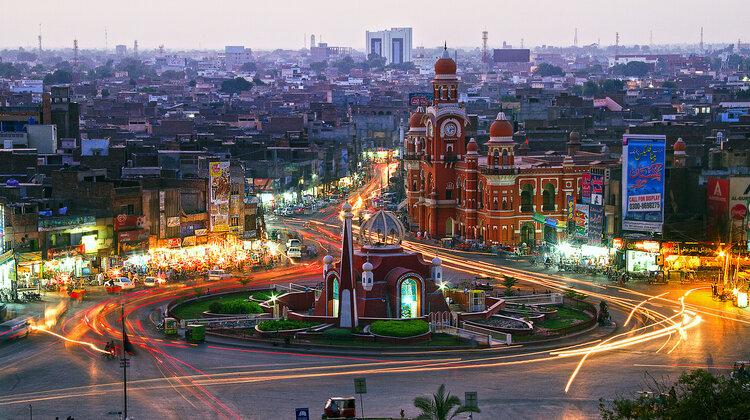 Linie Emirates otwierają połączenie do Multanu nowe produkty/usługi, transport -