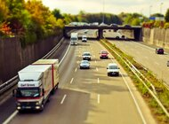 Sezon urlopowy na polskich drogach – trudny czas dla kierowców ciężarówek