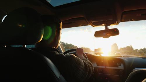 Jak ulżyć nogom w trakcie wielogodzinnych podróży za kierownicą?