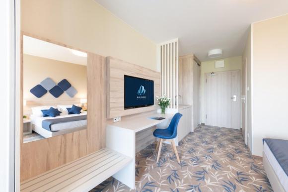 """Wypoczynek 2020: turyści nie boją się hoteli Turystyka, BIZNES - Koronawirus wbrew przypuszczeniom wcale nie zmienił nastawienia Polaków do wypoczynku. Nadal ponad połowa chce wypoczywać w hotelach (55%). Takie wnioski płyną z badania """"Nowe oczekiwania gości hotelowych w czasach COVID-19"""" zrealizowanego na grupie ponad 3,4 tys. osób."""