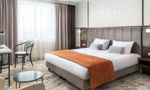 """Kampania """"Clean&Safe"""" dla bezpiecznego pobytu w hotelach Louvre Hotels Group"""