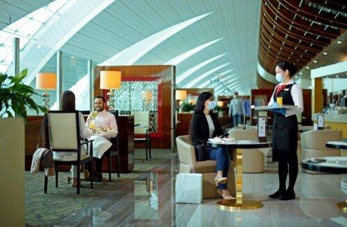 Emirates ponownie otwierają swoje poczekalnie na całym świecie, zaczynając od Kairu