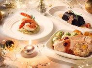 Linie Emirates dają świąteczną radość podróżnym, którzy spotkają się z rodziną i przyjaciółmi na Święta