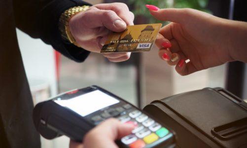 54 proc. Polaków spłaca kredyt lub pożyczkę, ale tylko co 4. osoba sprawdza,  czy ją na to stać!